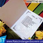 souvenir buku 4 dan 7 bulanan di Padang